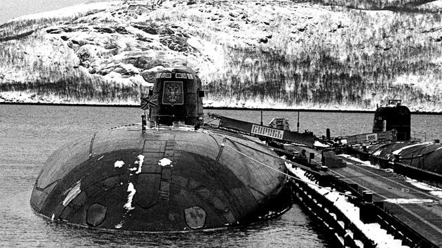 Kisah Karam Kapal Selam Rusia Kursk: Gas Torpedo Bocor, 23 Awak Nyaris Selamat (112872)