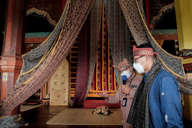 Sandiaga Uno Dorong Istana Pagaruyung Sebagai Wisata Ikonik Lain di Sumbar (139028)