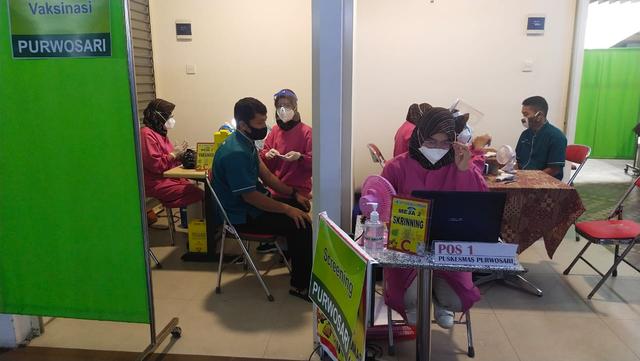 Vaksinasi di Kota Solo Mulai Sasar Pedagang Pasar Modern (390229)