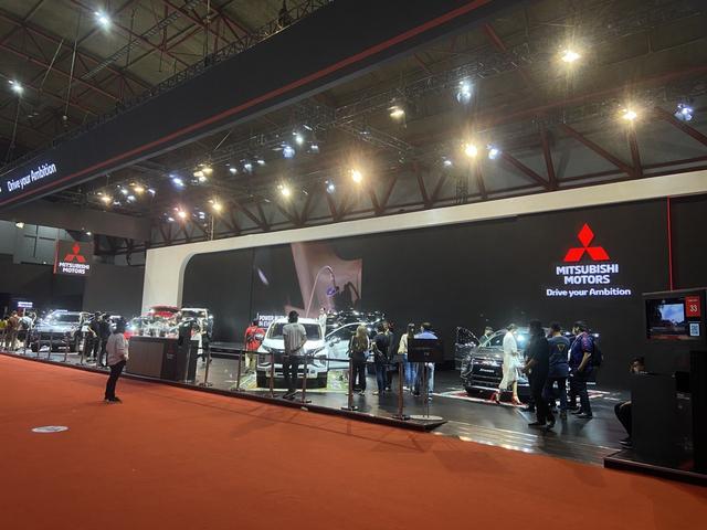 Nagbuburit DI IIMS Hybrid 2021, Jangan lupa berkunjung ke Booth Mitsubishi Motor (534387)