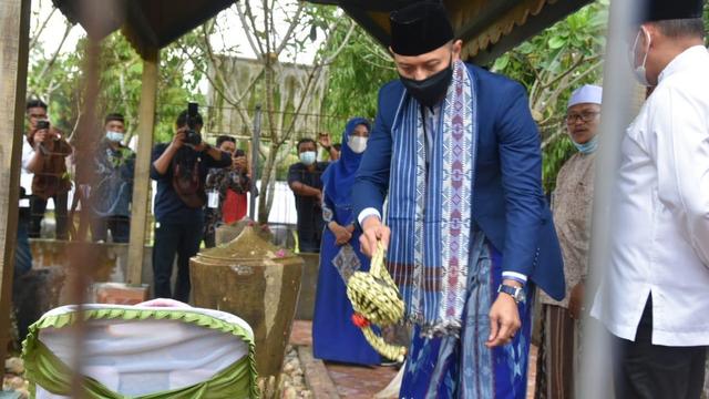 Foto: AHY ke Aceh, Ziarah Makam Tun Sri Lanang, Temu Kader dan Ulama (505589)