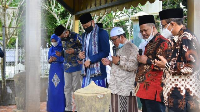 Foto: AHY ke Aceh, Ziarah Makam Tun Sri Lanang, Temu Kader dan Ulama (505590)