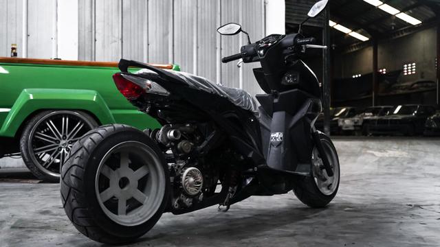 Dirombak Jadi Low Rider, Honda BeAT Ini Disuntik Mesin Turbo (12771)