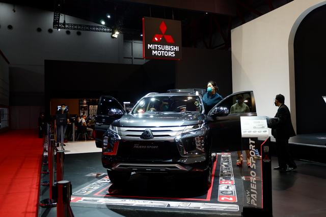 Perang Medium SUV Mei 2021, Pajero Sport Asapi Fortuner, Almaz Kuda Hitam! (565667)