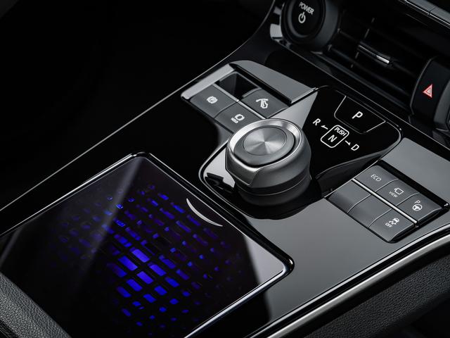 Inilah Fakta Mobil Listrik Toyota bZ4X, Siap Lawan Hyundai Kona (13521)