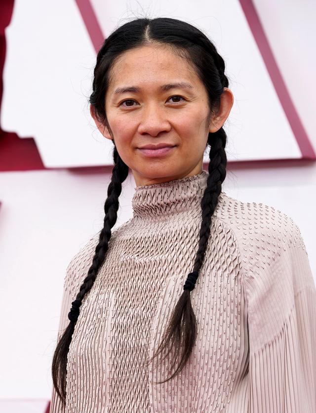 Chloe Zhao Jadi Sutradara Wanita Asia Pertama yang Menangkan Piala Oscar (140601)