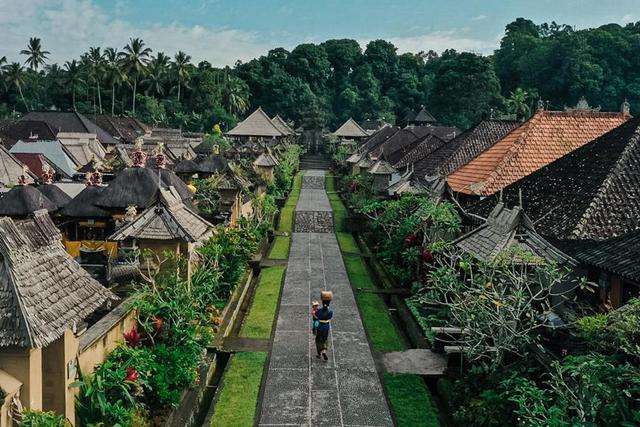 Sandiaga Uno Maksimalkan Platform Digital untuk Pengembangan Desa Wisata (94001)