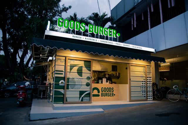 Mencoba Burger Empuk Isi Daging Sapi yang Dibubuhi Kopi, Gurih Sedikit Pahit! (614447)