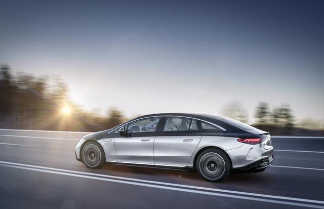 Inilah Sedan Listrik Termewah Mercedes-Benz EQS, Mampu Melaju Sejauh 770 Km! (121102)