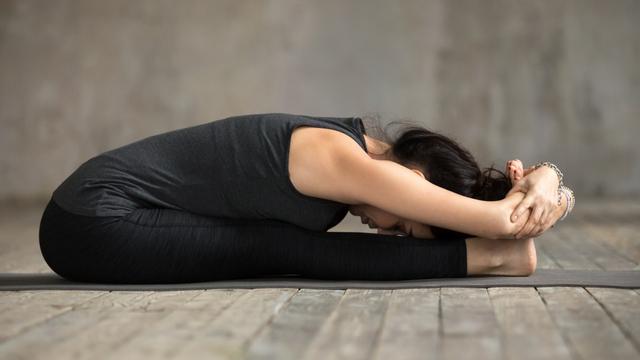 7 Pose Yoga untuk Tingkatkan Kesuburan agar Cepat Hamil (1)
