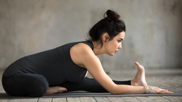 7 Pose Yoga untuk Tingkatkan Kesuburan agar Cepat Hamil (3)