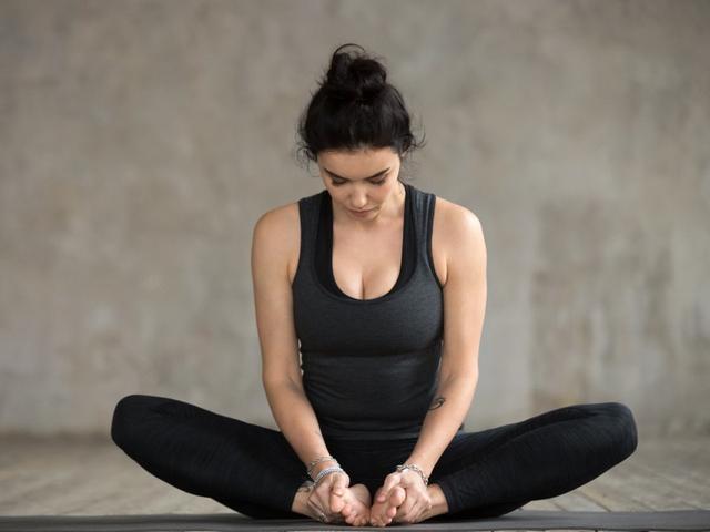 7 Pose Yoga untuk Tingkatkan Kesuburan agar Cepat Hamil (4)