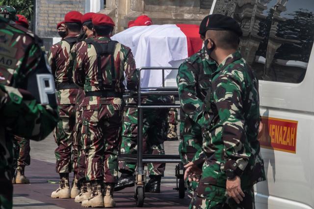 Foto: Pemakaman Kabinda Papua Mayjen TNI Anumerta Putu Danny di TMP Kalibata (836549)