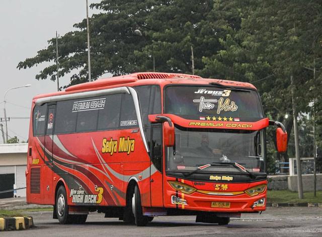 Berita Menarik: Perbedaan Bus Mesin Depan dan Belakang; Mitsubishi Eclipse Cross (163616)