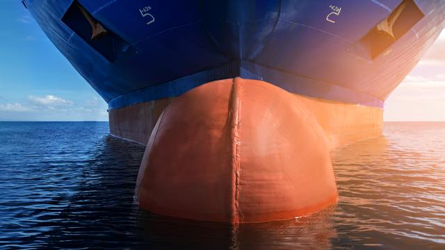 Alasan Kenapa Bagian Lambung Kapal Laut Dicat Warna Merah (152507)