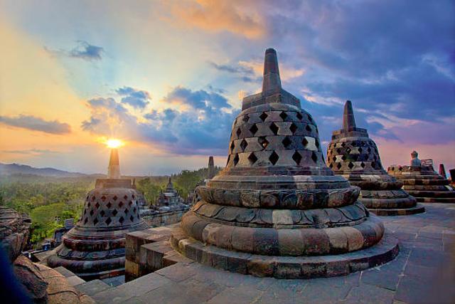 10 Tempat Bersejarah dan Paling Sakral di Dunia, Salah Satunya Ada di Indonesia (43850)