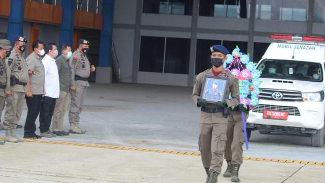 Jenazah Bharada Komang, Korban Penembakan KKB Papua Dikirim ke Palembang (432673)