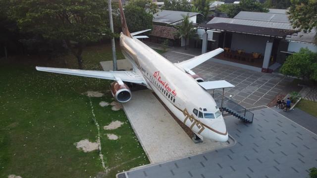 Pertama di Lampung, Rumah Kayu Hadirkan Pengalaman Makan di Dalam Pesawat (650389)