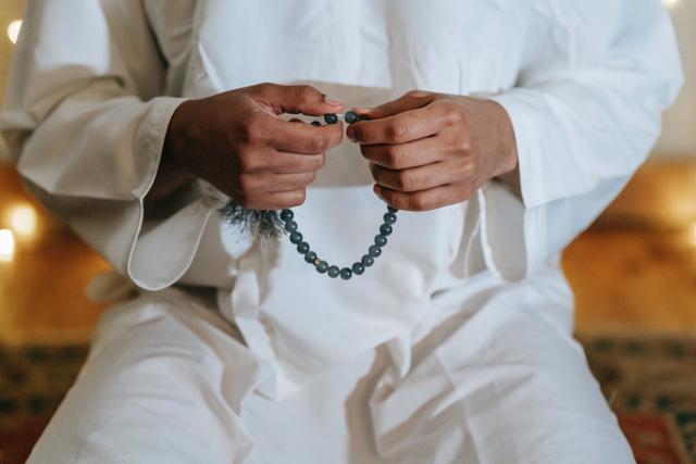 Keutamaan Dzikir dan Doa setelah Sholat Fardhu Berdasarkan Hadist (209266)