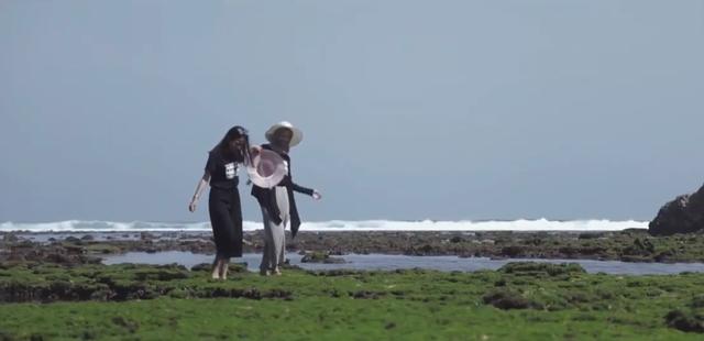 Tenangnya Gulungan Ombak di Pantai Banyu Meneng Malang (94927)