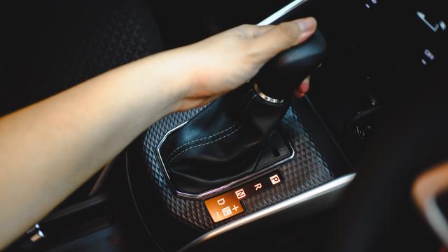 Spesifikasi Lengkap Daihatsu Rocky, Ada Fitur Keselamatan Canggih! (320720)