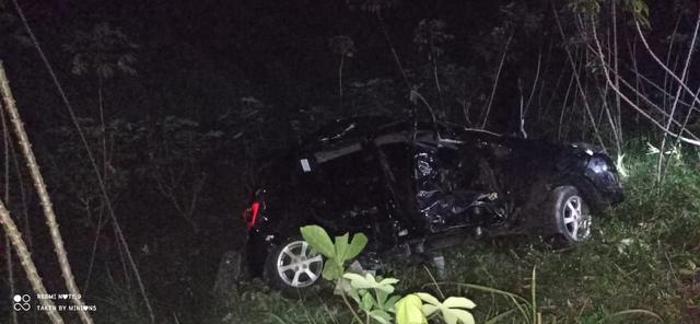 Daihatsu Ayla Ringsek Ditabrak Kereta Api di Lampung Selatan, Pengemudi Selamat (6972)