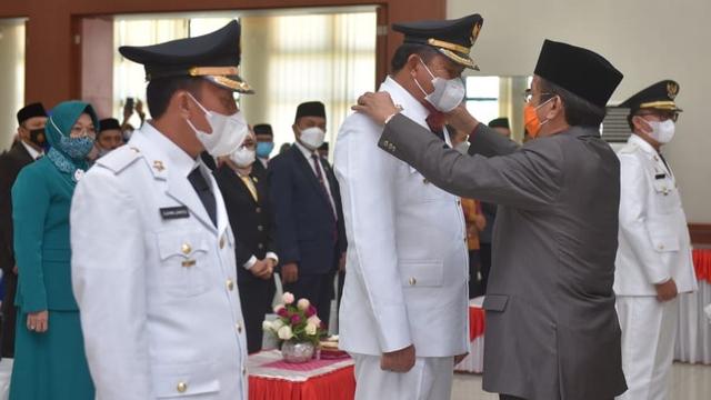 Gubernur Sulteng Lantik 2 Pasangan Kepala Daerah Terpilih di Pilkada 2020 (56381)