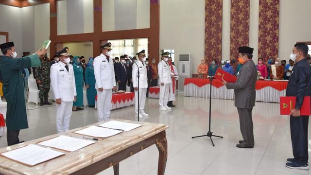 Gubernur Sulteng Lantik 2 Pasangan Kepala Daerah Terpilih di Pilkada 2020 (56382)