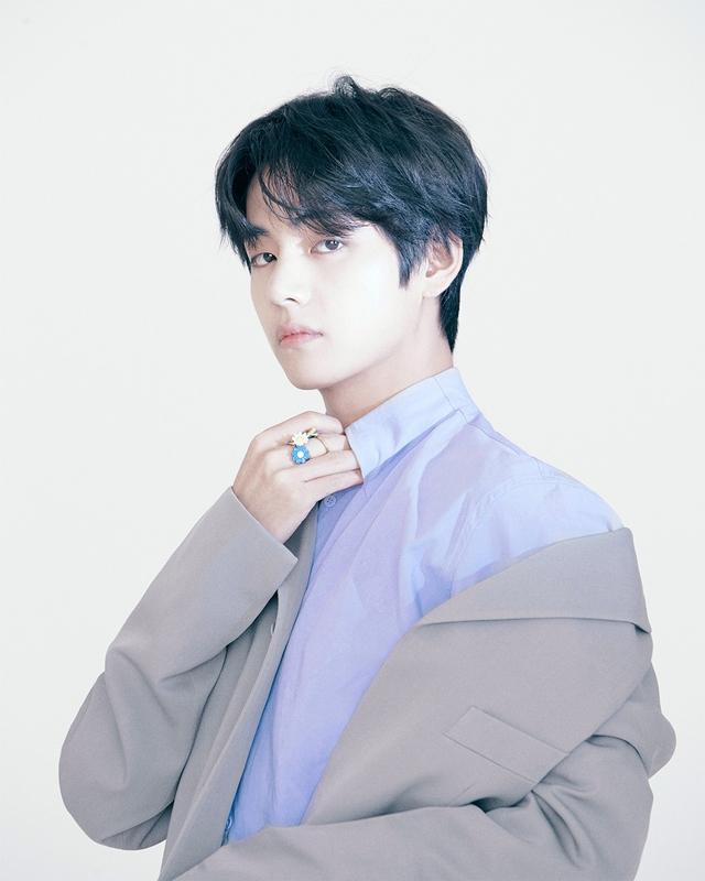 Tampilan Perdana Idola K-Pop BTS Jadi Brand Ambassador Louis Vuitton (212677)