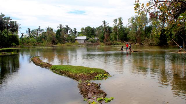 Arena Grasstrack di Kupang Berubah Jadi Danau usai Badai Siklon Tropis Seroja (957923)
