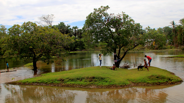 Arena Grasstrack di Kupang Berubah Jadi Danau usai Badai Siklon Tropis Seroja (957922)