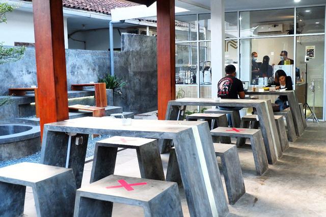 Maheera Coffee Bandar Lampung, Kafe Minimalis Berkonsep Arsitektur Skandinavia (6)
