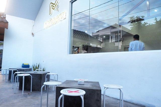 Maheera Coffee Bandar Lampung, Kafe Minimalis Berkonsep Arsitektur Skandinavia (7)