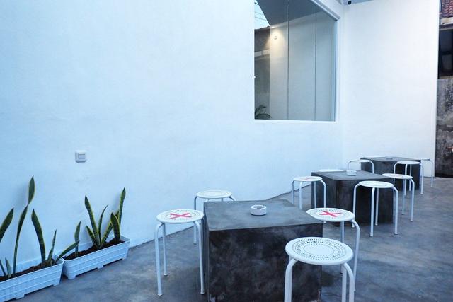 Maheera Coffee Bandar Lampung, Kafe Minimalis Berkonsep Arsitektur Skandinavia (8)