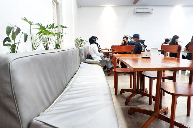 Maheera Coffee Bandar Lampung, Kafe Minimalis Berkonsep Arsitektur Skandinavia (3)