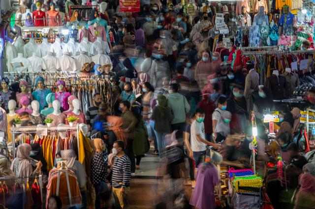 Kerumunan di Pusat Perbelanjaan Mengkhawatirkan, Pemda Harus Cegah (208019)