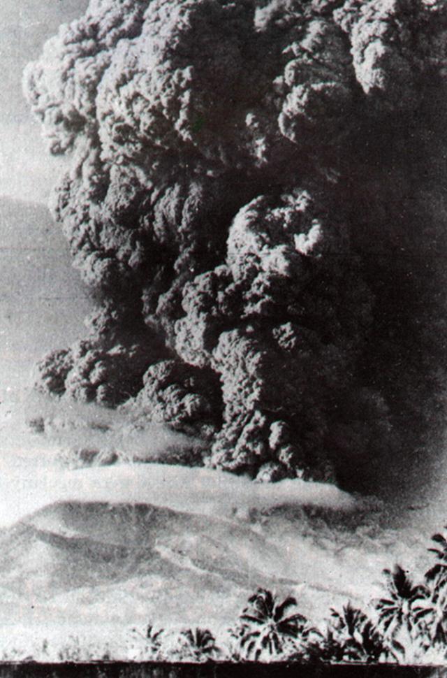 Fakta Geologis Menarik Gunung Api Iya, Gunung Api Aktif Paling Selatan Indonesia (42359)