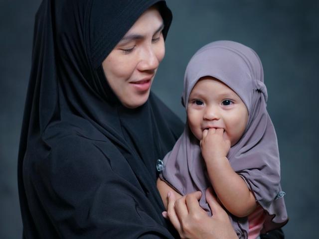 Nama Bayi Islami untuk Putri Kecil yang Terinspirasi dari Momen Idul Fitri (254911)