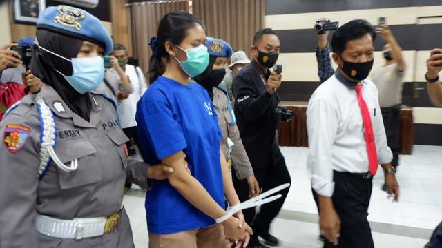 Bentuk Lontong Juga Jadi Petunjuk Polisi Ungkap Kasus Sate Beracun Sianida (318716)