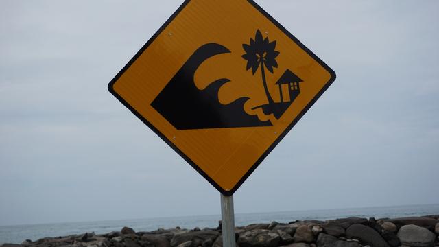 BMKG Ungkap Wilayah Potensi Kena Tsunami, Yuk Siapkan Asuransi Mobil Sekarang (29299)