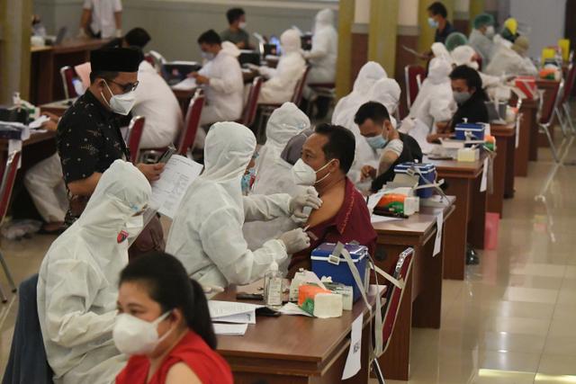 7 Ribu UMKM Daftarkan Pekerja untuk Ikut Vaksinasi Gotong Royong (44071)