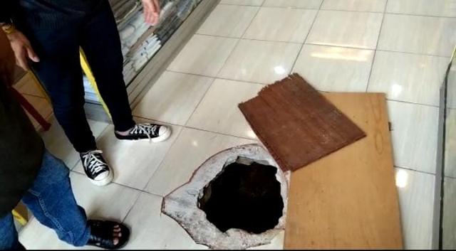 Pencurian Lewat Gorong-gorong Pasar Tengah Balam, Polisi: Pelaku Paham Wilayah  (39704)
