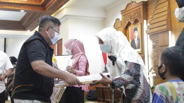 ACT Berikan Bantuan Kehormatan Kepedulian Bagi Patriot KRI Nanggala-402 (198768)