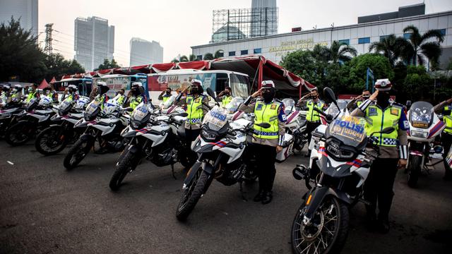 Foto: Kesiapan Pasukan Operasi Ketupat di Sejumlah Daerah Jelang Larangan Mudik (39071)