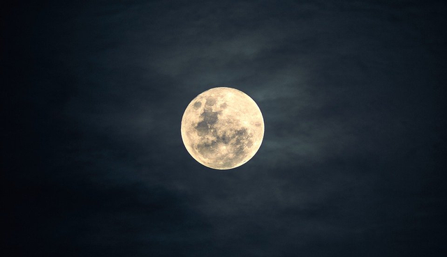 Keistimewaan Malam Lailatul Qadar di Malam Ganjil Ramadhan (320906)