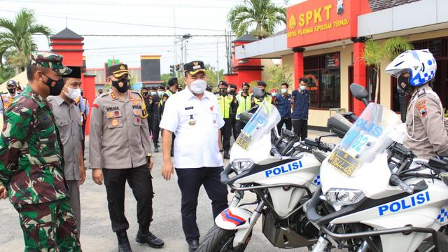 Bupati Blora Pimpin Apel Gelar Pasukan Operasi Ketupat 2021 (291903)