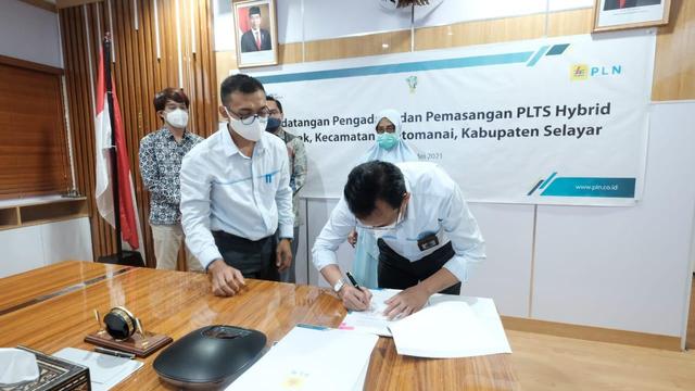 Tingkatkan Bauran EBT, PLN Bangun PLTS Hybrid di Selayar, Sulsel  (152867)