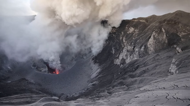 Fakta Geologis Gunung Dukono, Periode Aktivitas Erupsi Terpanjang di Indonesia (306035)