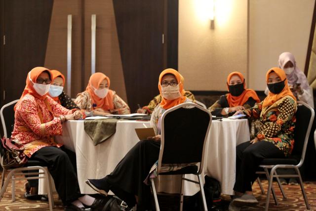 Tingkatkan Partisipasi, Kader PKK Kota Bandung Dapat Pendidikan Poitik (574813)