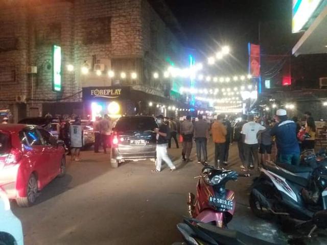 Pekerja Dunia Malam di 'Kampung Bule' Batam, Protes saat Dirazia Petugas (42462)